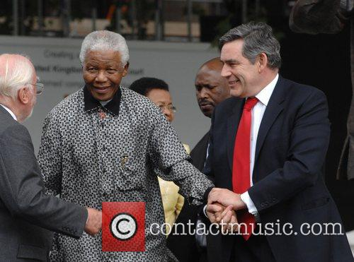 Nelson Mandela and Gordon Brown 9