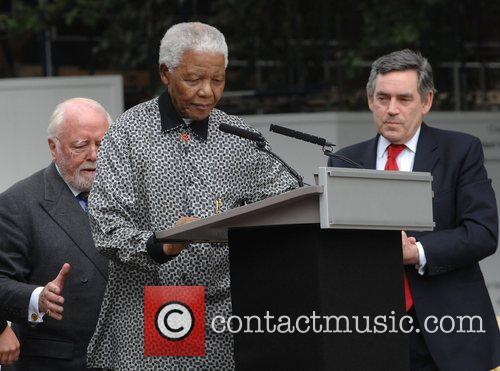 Nelson Mandela and Gordon Brown 8