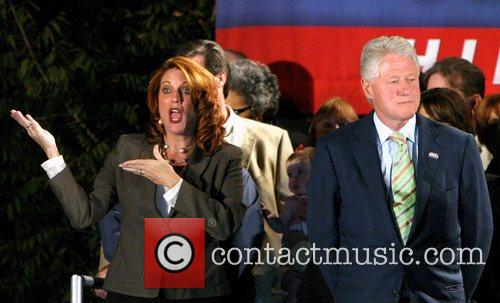 Bill Clinton, Andre Agassi and Hillary Clinton 7