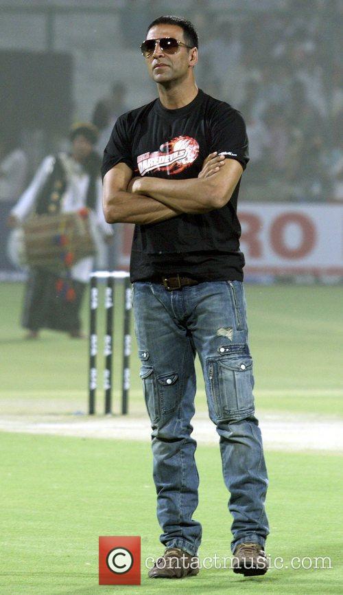 Delhi Daredevils supporter and Bollywood actor Akshay Kumar...