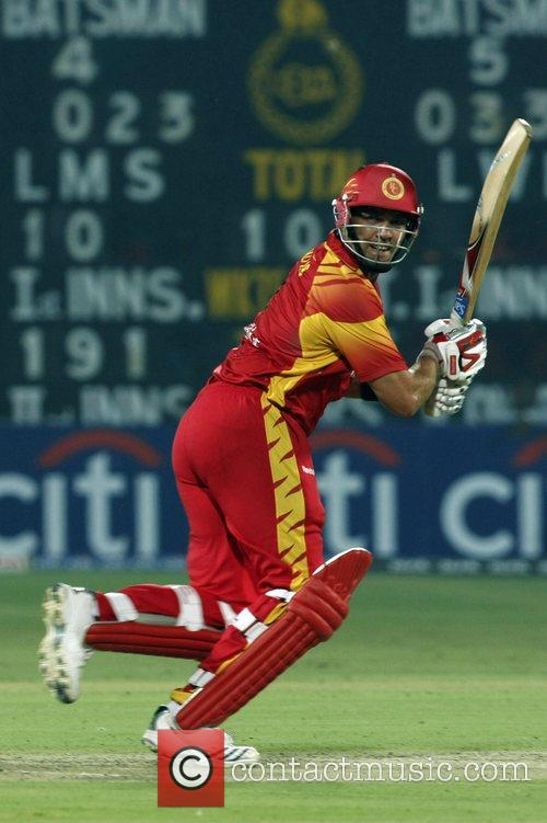 Jacques Kallis Bangalore Royal Challengers plays a shot...