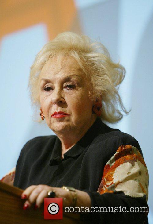 Doris Roberts 13