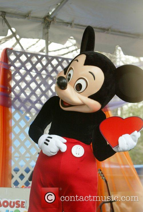 Mickey Mouse and White House 3