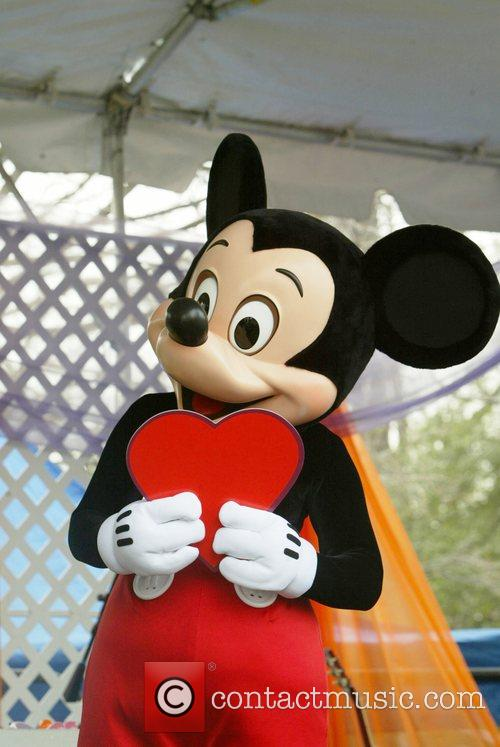 Mickey Mouse and White House 4