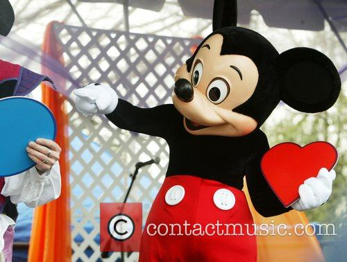 Mickey Mouse and White House 5