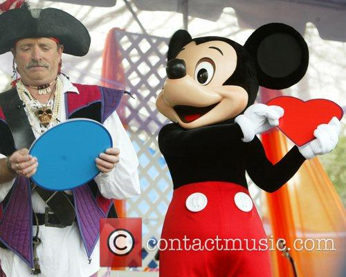 Mickey Mouse and White House 6