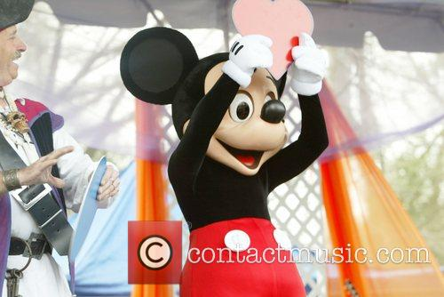 Mickey Mouse and White House 2