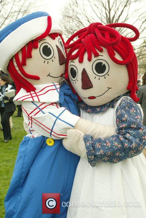 Raggedy Ann and White House 2
