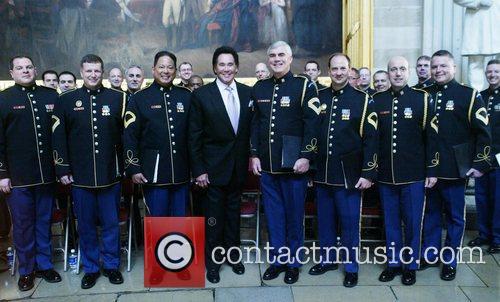 Wayne Newton and The Us Military Band 4