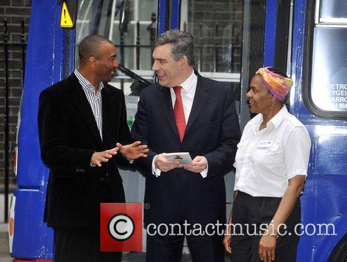 Colin Jackson and Prime Minister Gordon Brown 6