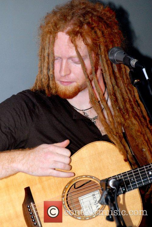 Newton Faulkner and Apple 11