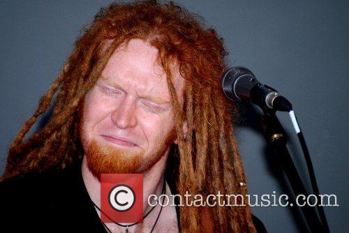 Newton Faulkner and Apple 6