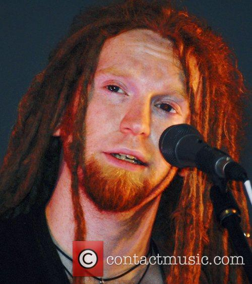 Newton Faulkner and Apple 5