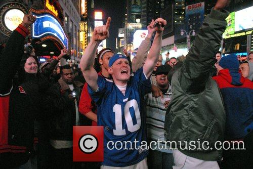 New York Giant fans celebrate their Super Bowl...