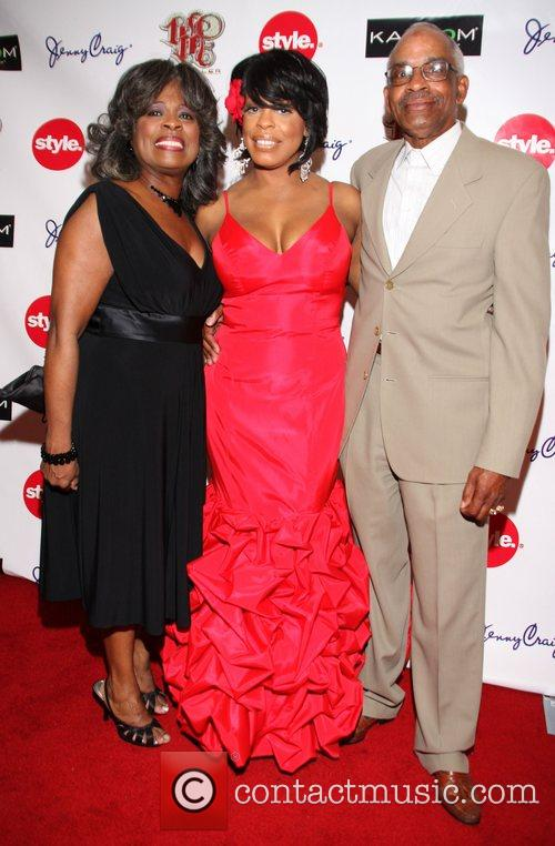Niecy Nash with her parents Margaret Ensley and...