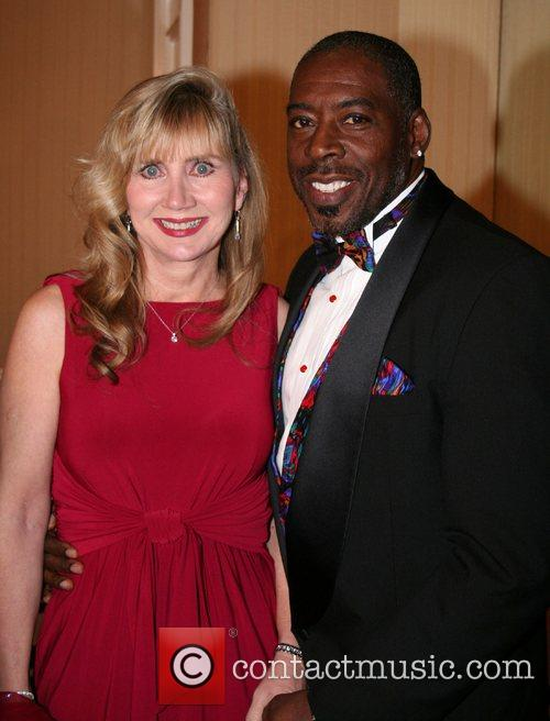 Ernie Hudson and Wife 4