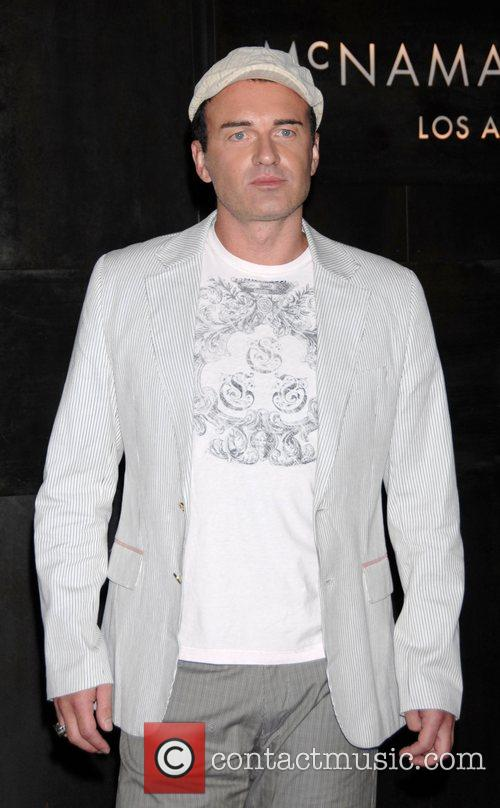 Julian McMahon Celebrating nip/tuck's move from Miami to...
