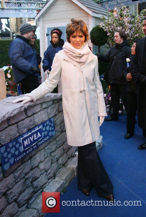 Lisa Rinna 29