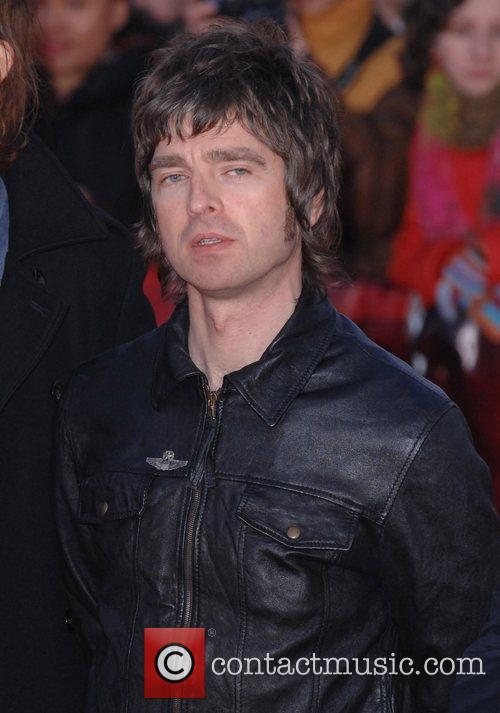 Noel Gallagher, Oasis and Superman 1