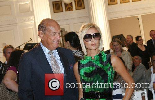 Oscar De La Renta and Victoria Beckham 2
