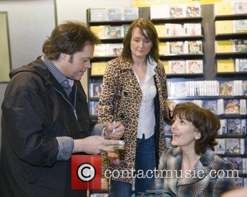 Jimmy Osmond The Osmonds sign copies of their...