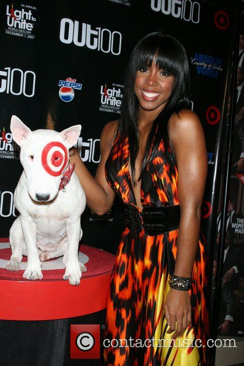 Kelly Rowland and Bullseye Out magazine honors 100...
