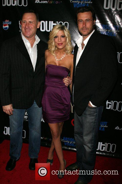 Jay Adamson, Tori Spelling and Dean McDermott Out...