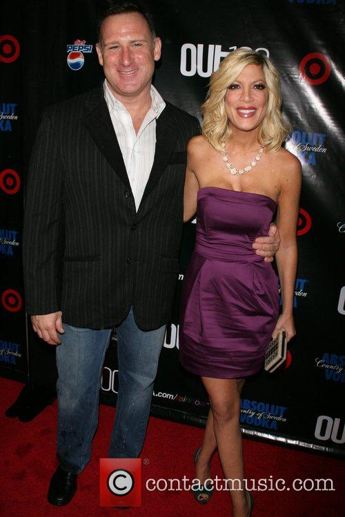 Jay Adamson and Tori Spelling Out magazine honors...