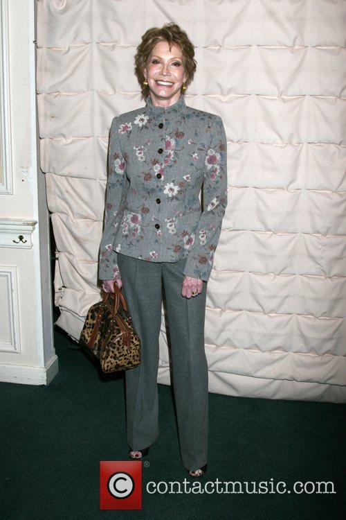 Mary Tyler Moore 7