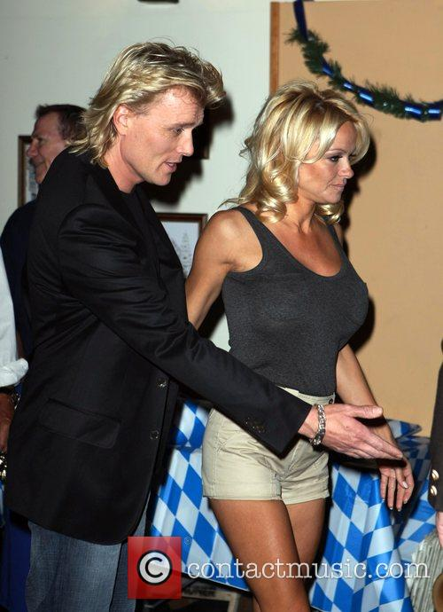 Pamela Anderson, Hans Klok and Las Vegas 4