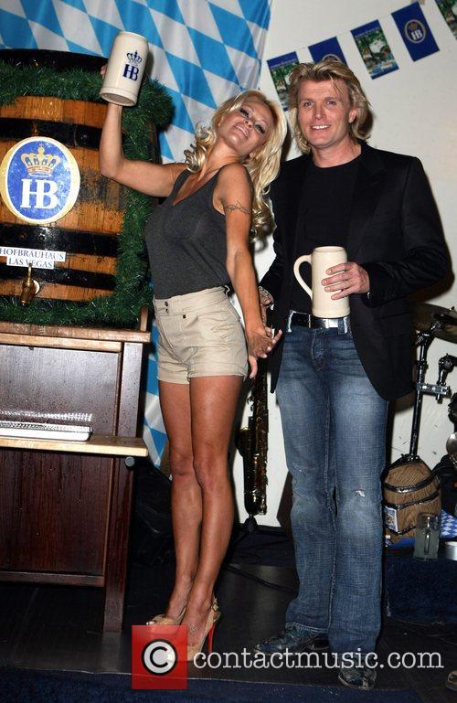 Pamela Anderson, Hans Klok and Las Vegas 19
