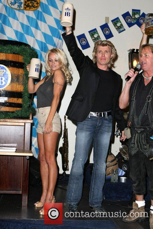 Pamela Anderson, Hans Klok and Las Vegas 28