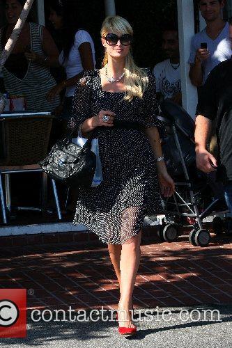 Paris Hilton leaving the ultra-hip boutique Fred Segal...