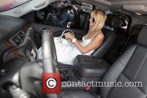 Paris Hilton leaving the Ivy restaurant in West...