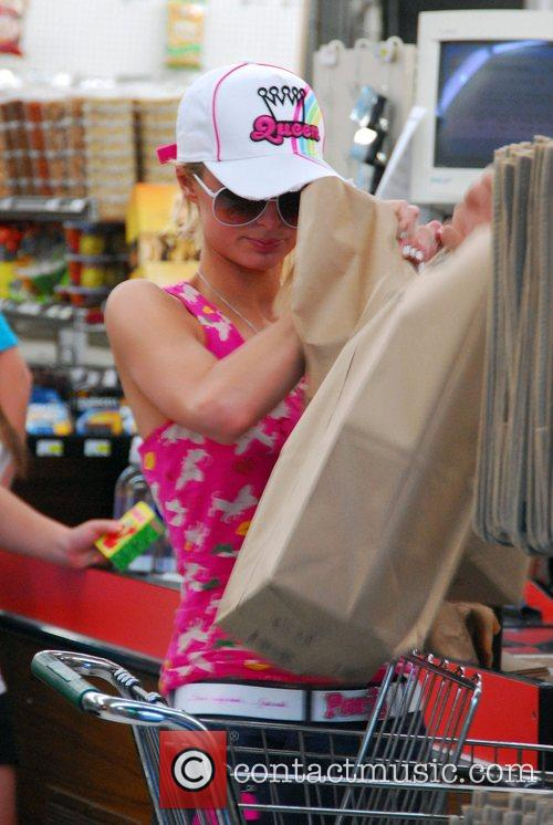 Goes grocery shopping with her boyfriend