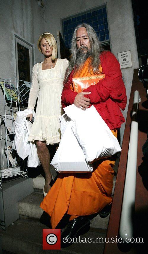 Paris Hilton leaving the Bodhi Tree bookstore with...