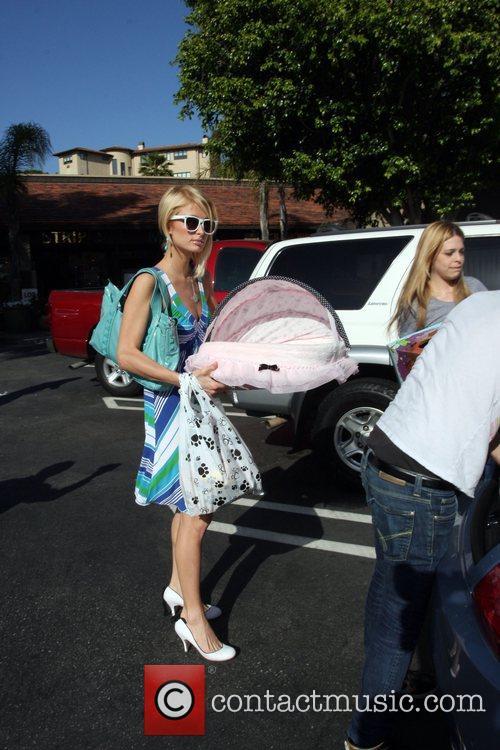 Paris Hilton goes in to a pet store...