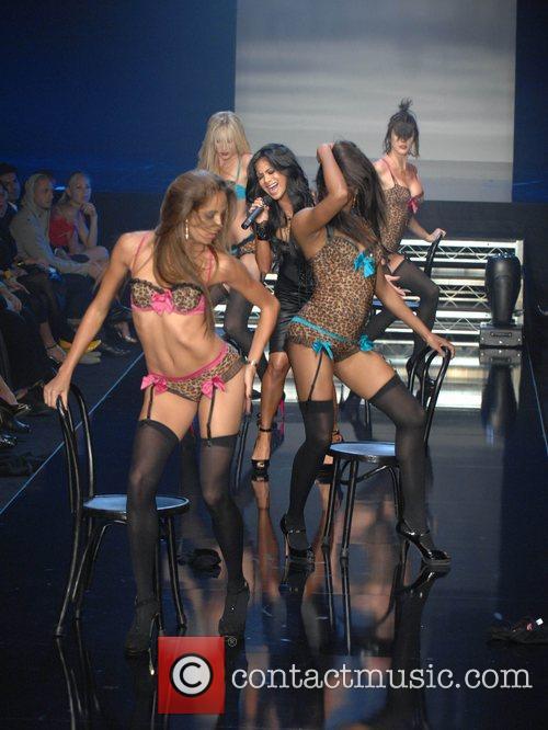 Nicole Scherzinger, Pussycat Dolls and Robin Antin 5