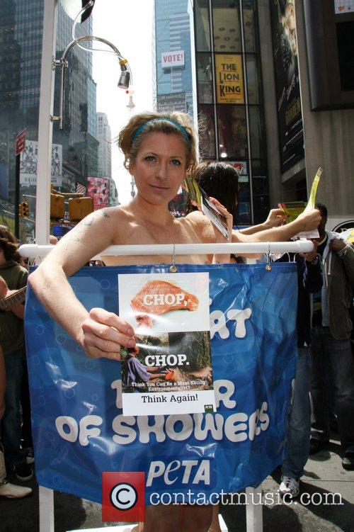 Naked peta protesters shower YEAH!!!