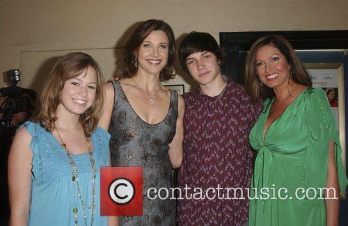 Morgan Flynn, Brenda Strong, Chris J. Kelly and...