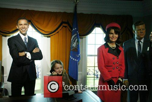 Barack Obama, Jaqueline Bouvier Kennedy and President John Fitzgerald Kennedy Wax Figure 6