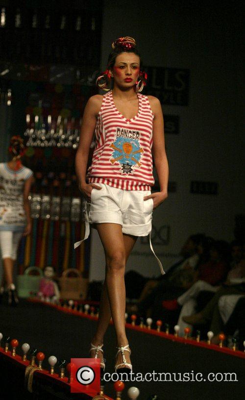 Raghavendra Rathore catwalk show, Spring/Summer 2008 Wills India...