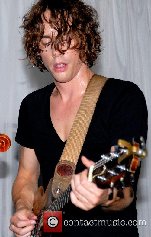 Johnny Borrell and Razorlight 3