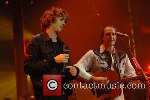 Johnny Borrell, Ray Davies, Razorlight and The Kinks 8