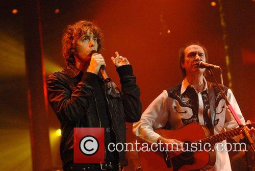 Johnny Borrell, Ray Davies, Razorlight and The Kinks 11