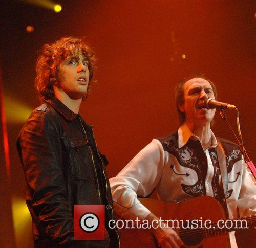 Johnny Borrell, Ray Davies, Razorlight and The Kinks 10