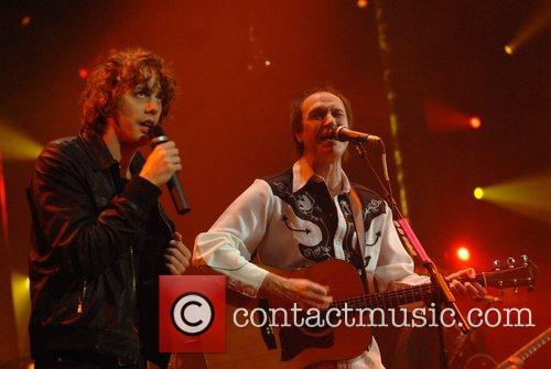 Johnny Borrell, Ray Davies, Razorlight and The Kinks 9