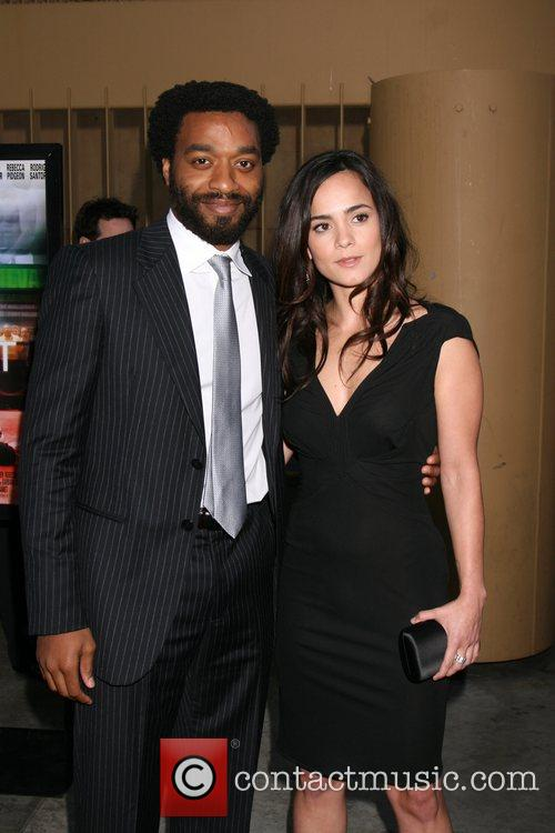 Chiwetel Ejiofor and Alice Braga 1