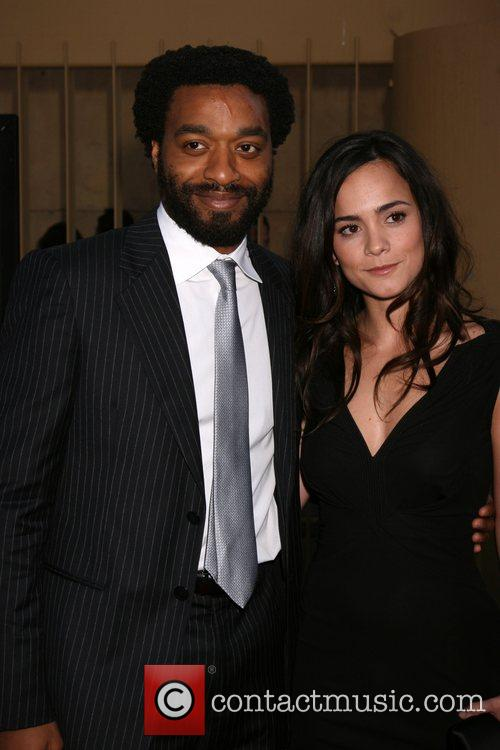 Chiwetel Ejiofor and Alice Braga 2