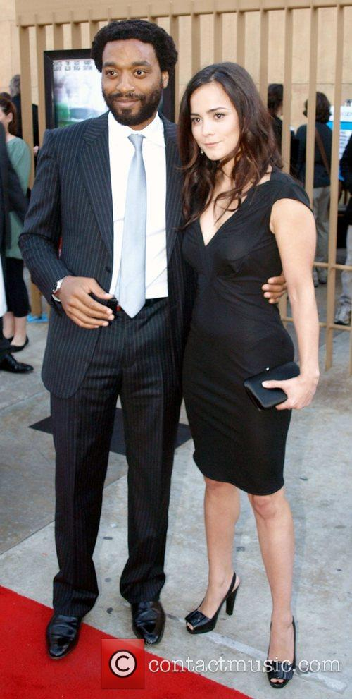 Chiwetel Ejiofor and Alice Braga 5